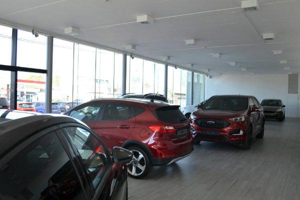toonzaal-binnen-veys-vanclooster-garage