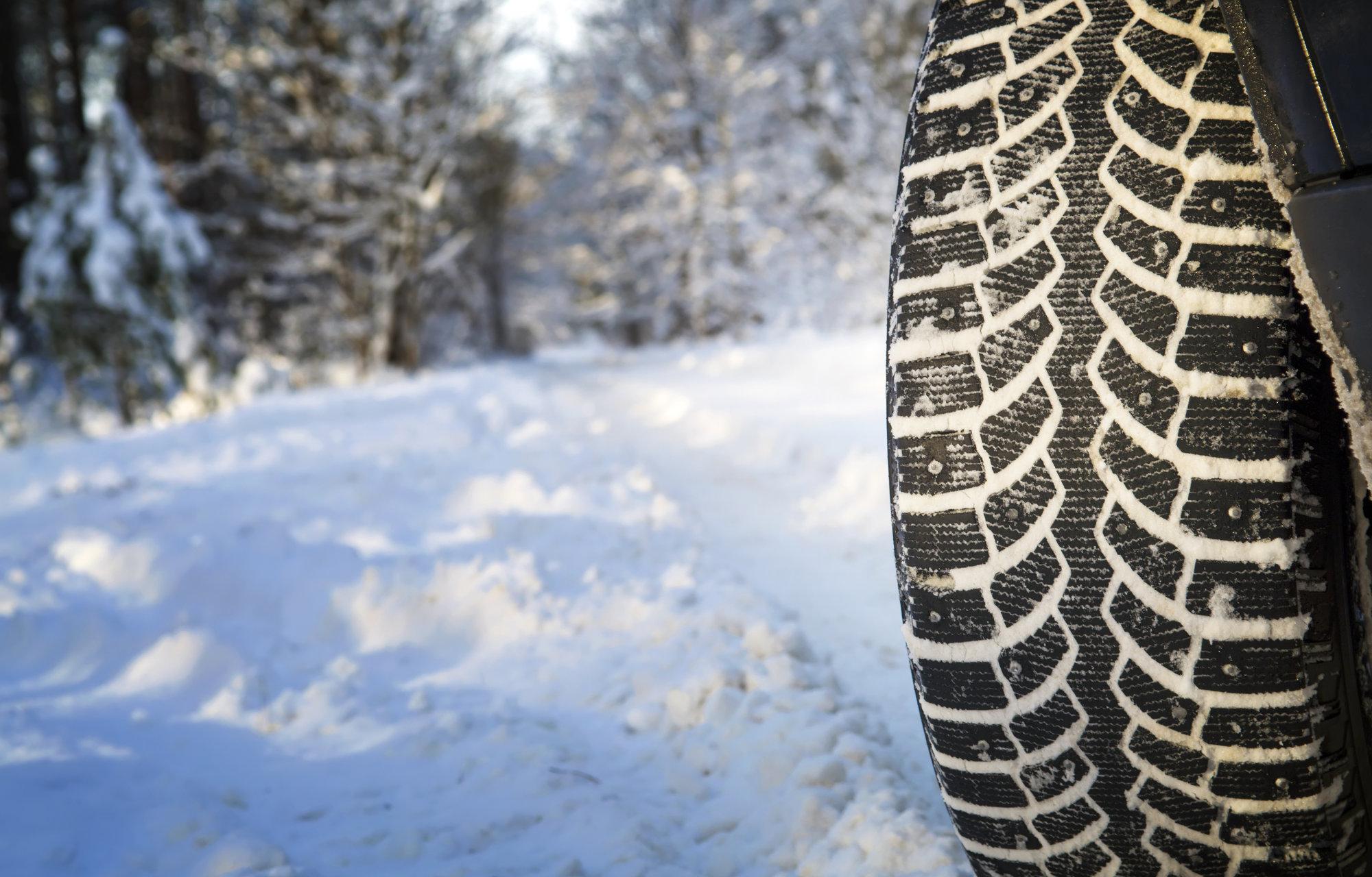 La neige arrive ! **Pensez à changer vos pneus**