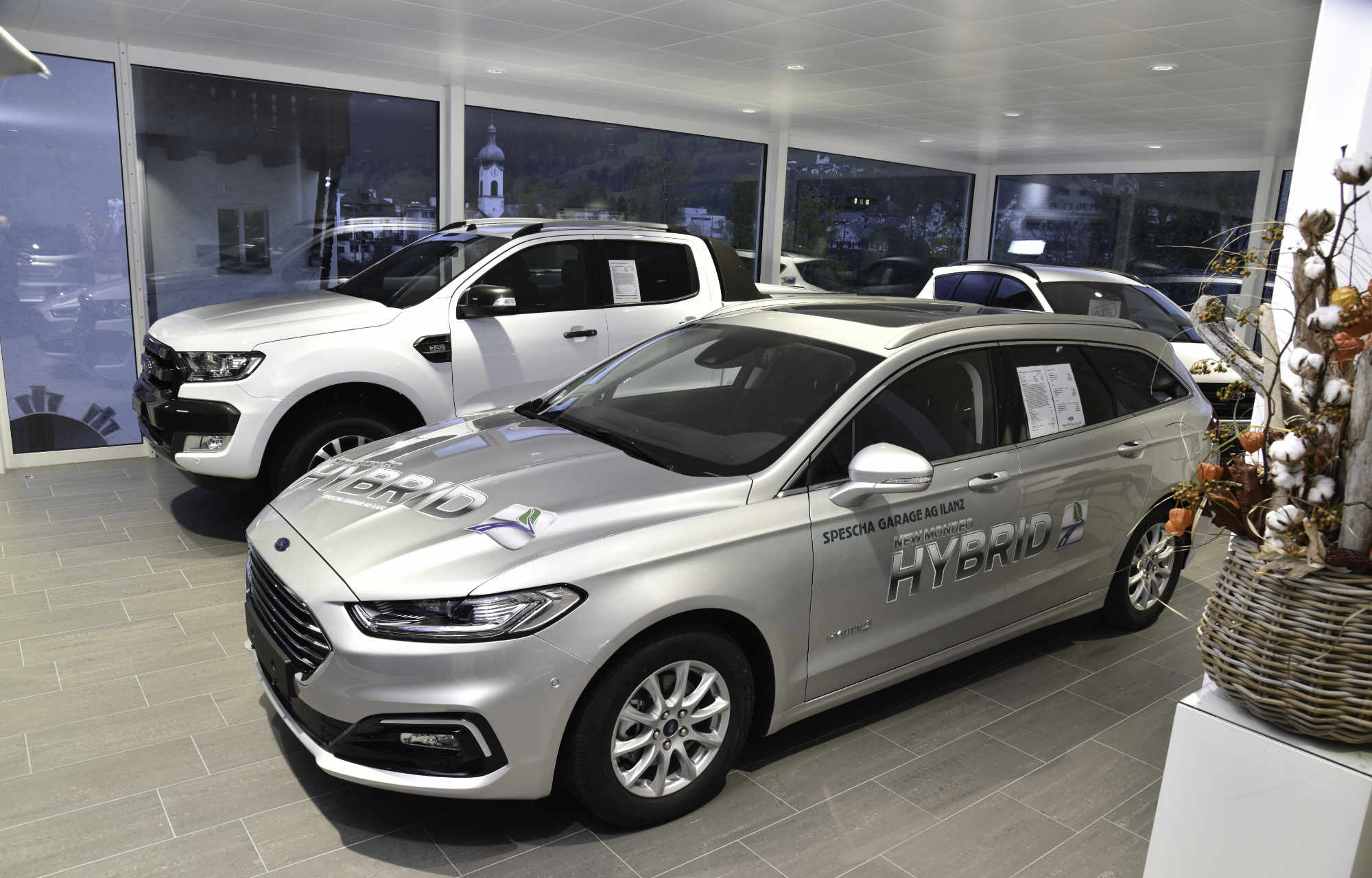 Ford-Showroom