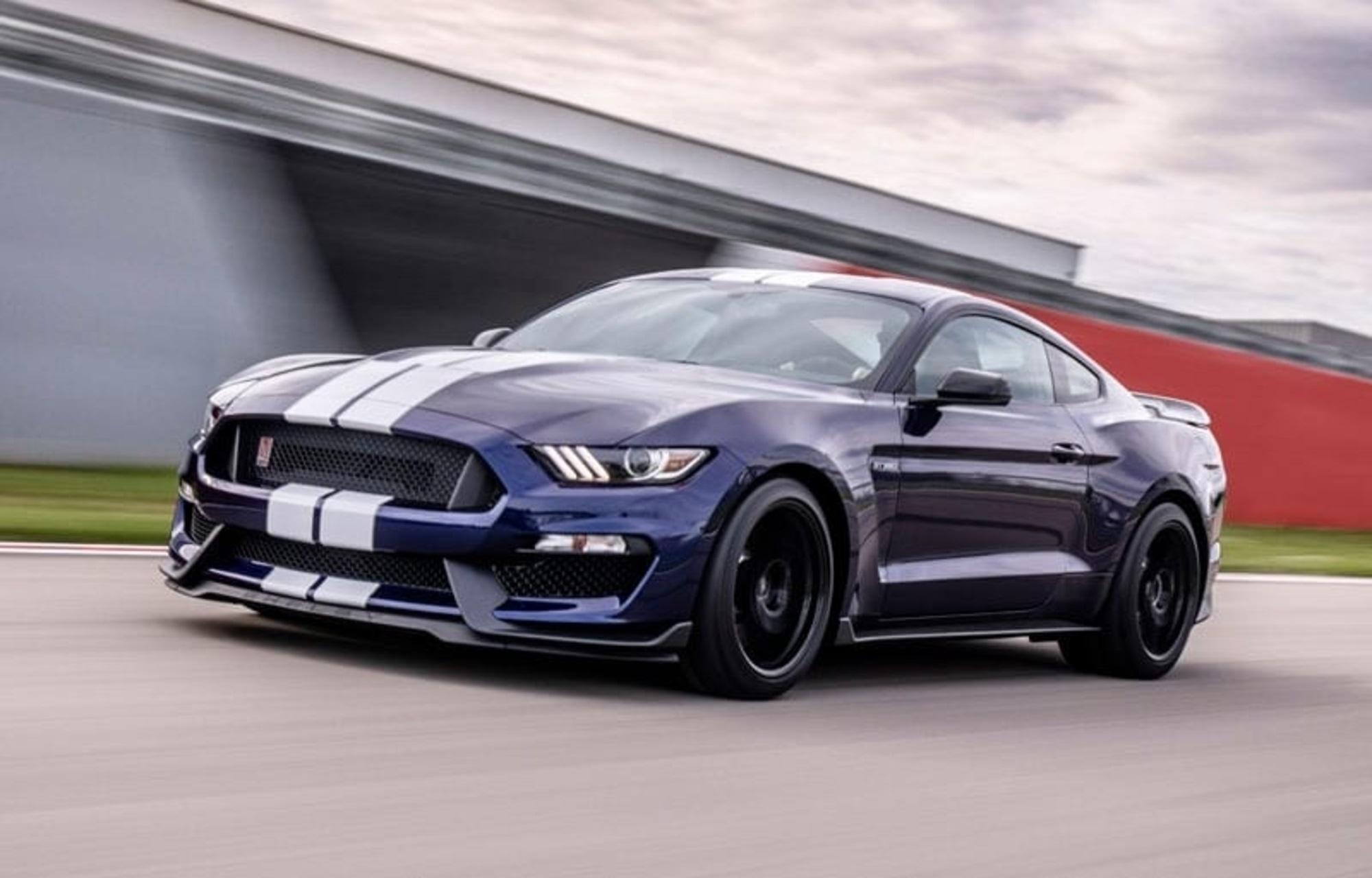 Ford Mustang Shelby GT350 pro rok 2019 nabízí upgradovaný podvozek a ještě  lepší aerodynamiku 868bc8f8bb