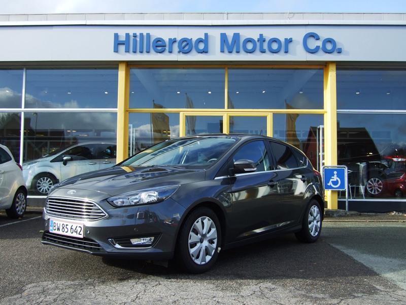 Tillykke med den nye bil Ford Focus Hatchback
