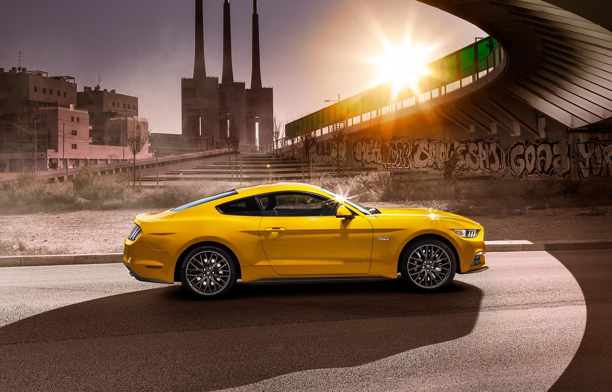 Ford Mustang myydyin urheiluauto 2015!