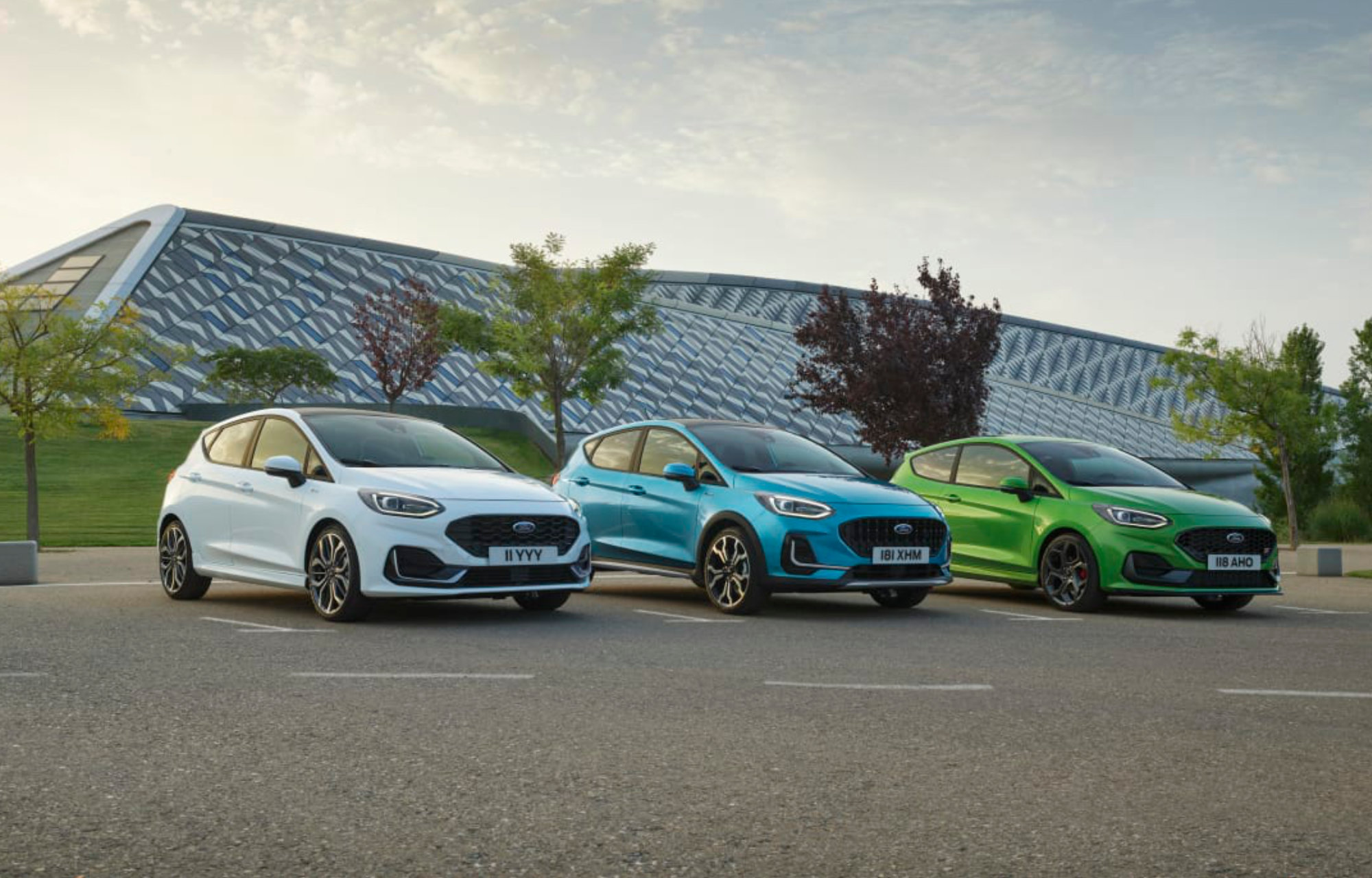 Ford esittelee uuden sähköistetyn ja entistä liitetymmän Ford Fiestan