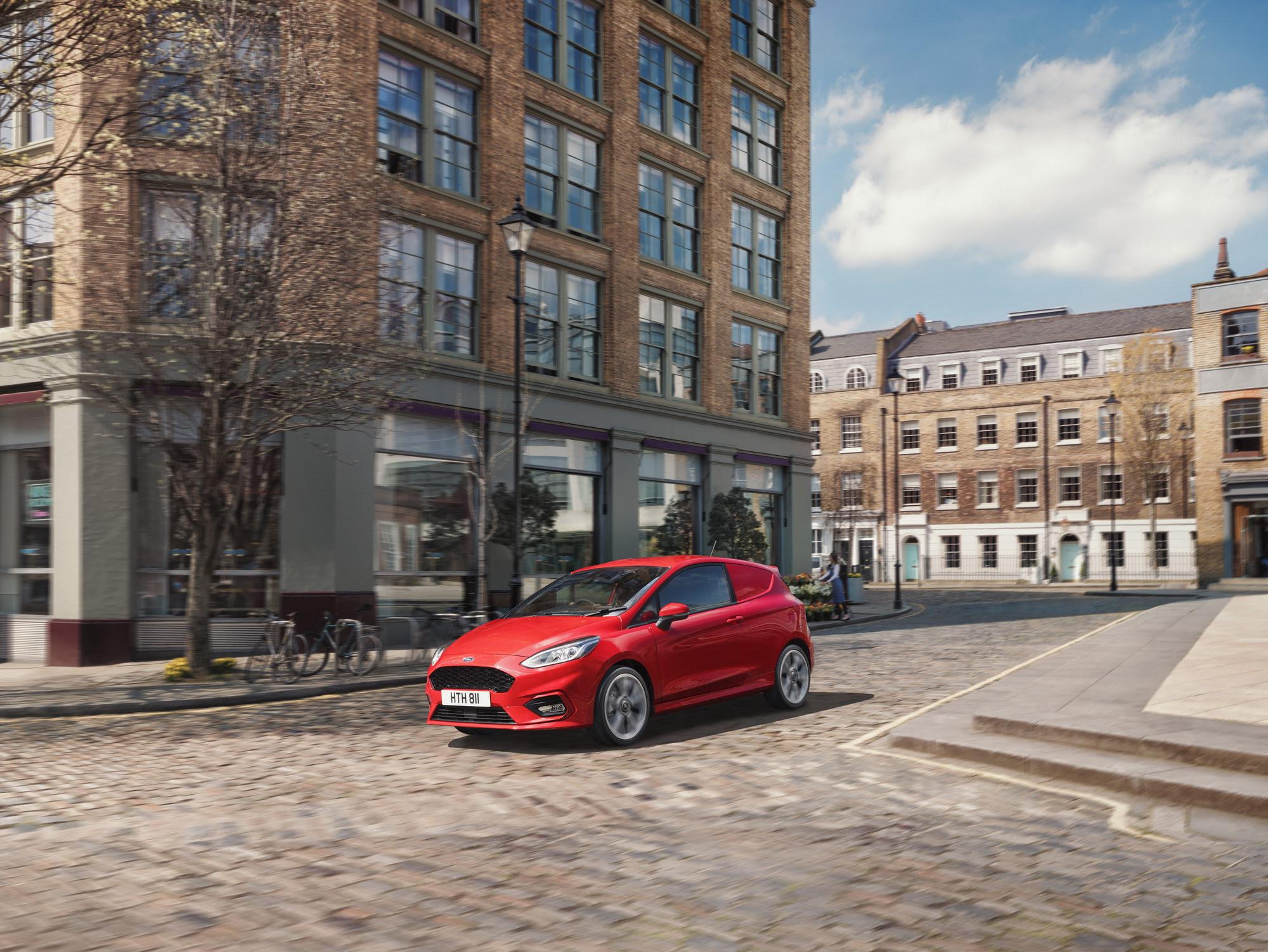 Ford esittelee täysin uuden Fiesta Vanin ja FordPass Connect -liitettävyysteknologian ...