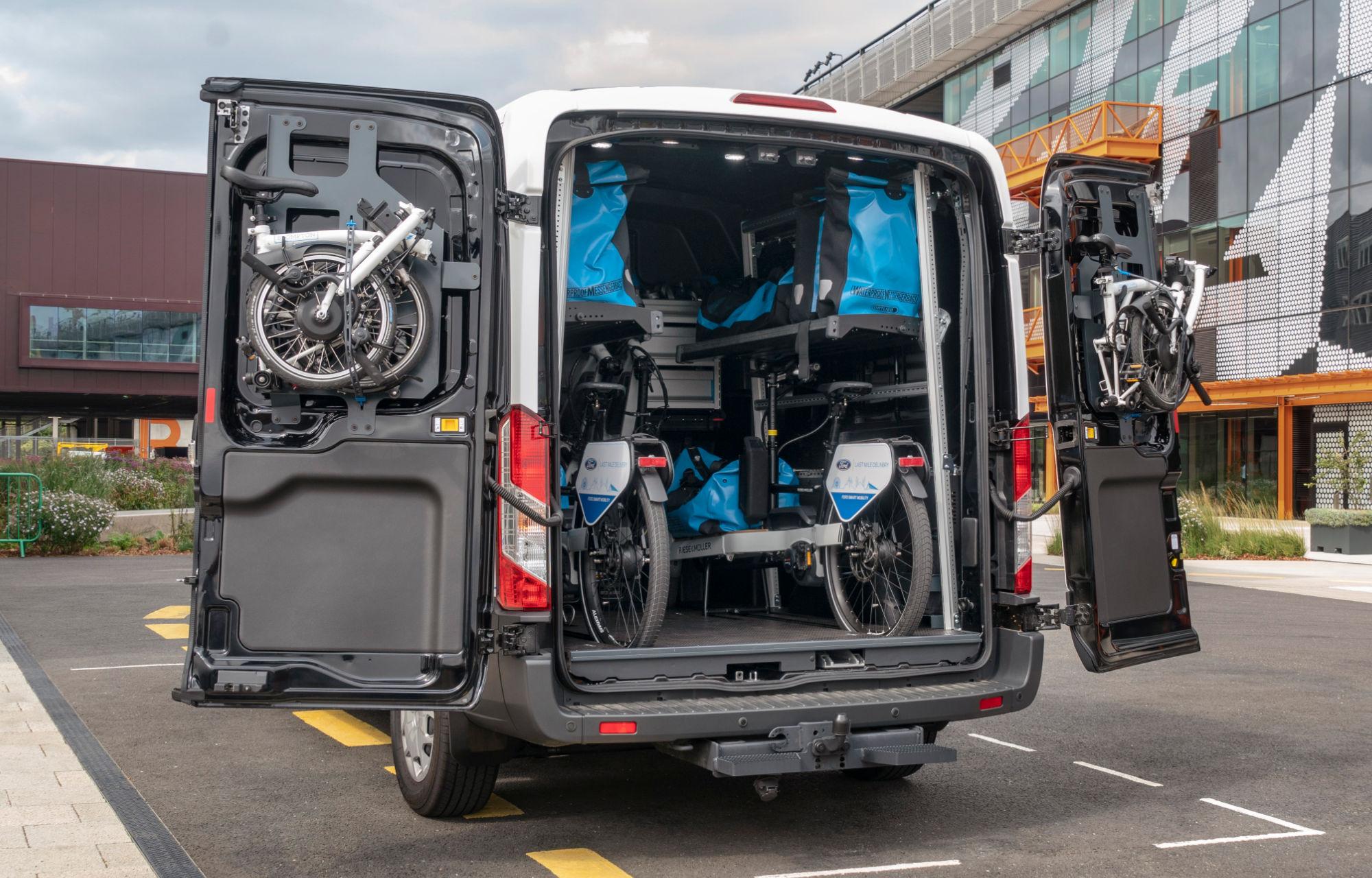 Livraison du dernier kilomètre : utilitaires + vélos + piétons, l'algorithme idéal ?