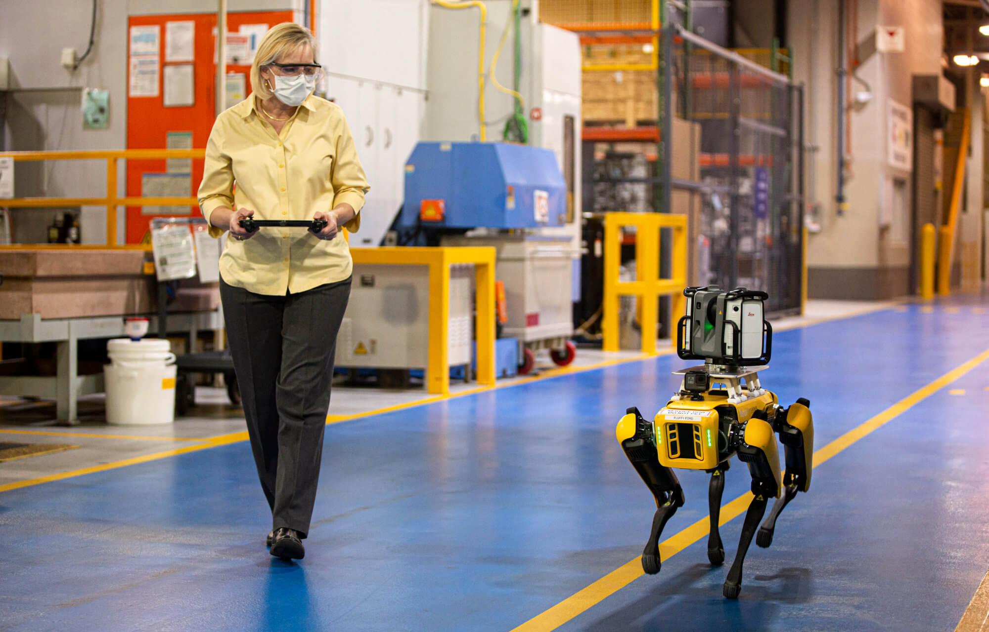 A Ford négylábú robotokat próbál ki