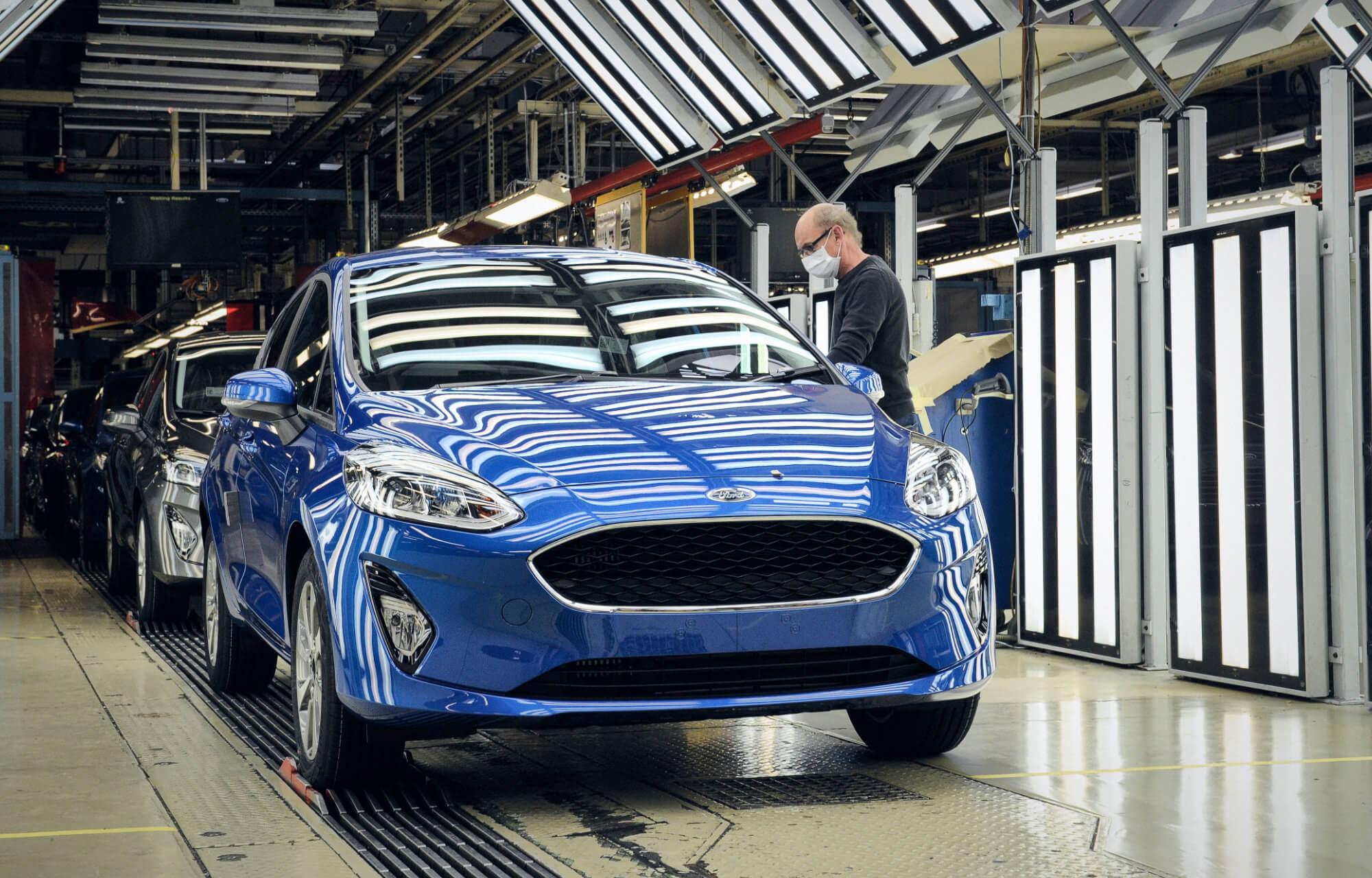 Európában beindultak a Ford gyártósorai