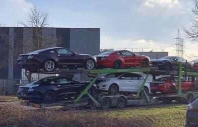 Primeur - Nieuwe Mustang bij AB Automotive in de showroom