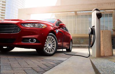 Ford zet groot in op elektrisch rijden