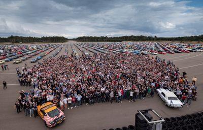 Wereldrecord in Lommel: 1326 Mustang's samen!