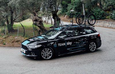 Mondeo AWD ST-Line en Tourneo Custom maken deel uit van Team SKY