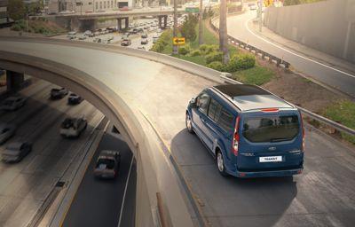 Avertissement des dangers iminents par les voitures connectées