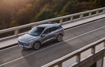 FORD KUGA COOL&CONNECT HYBRID