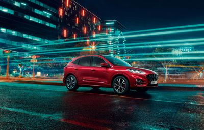 Tag med på tur i den helt nye Ford Kuga Hybrid