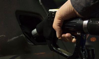 Har du styr på E10 benzin og kan din bil tåle det?