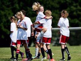 Ford støtter DBU fodboldskole
