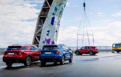 Ford Explorer klatrer helt til tops