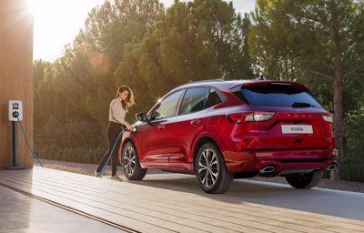 Over 1.000 Ford Kuga Plug-in Hybrider klar til levering inden nye afgifter