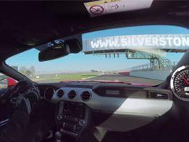 Kom bag rattet af den nye Ford Mustang V8
