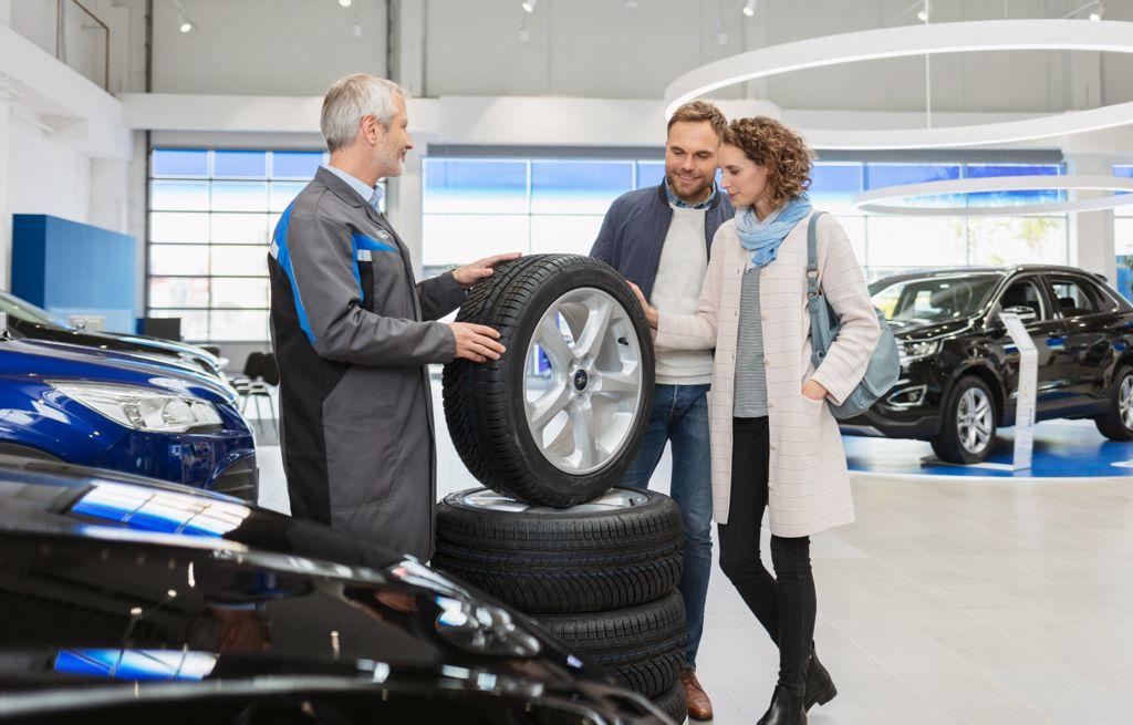 Mäkelän Kone tarjoaa renkaat ja vanteet kaikille Ford ajoneuvoille.