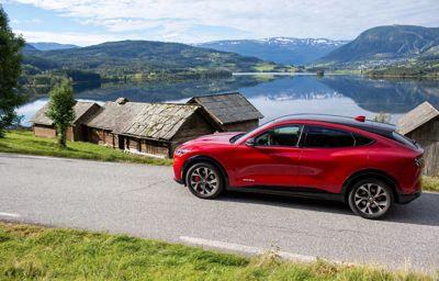Ford Mustang Mach-E tarjoaa ajonautintoa eurooppalaiseen makuun