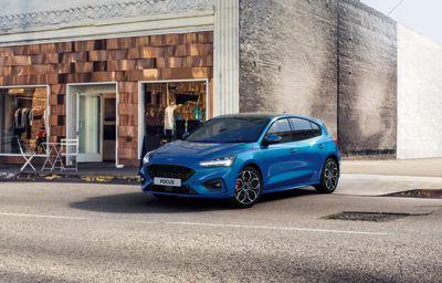 Uusi sähköistetty Ford Focus EcoBoost Hybrid kevythybridi