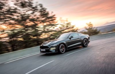 Ford Mustang juhlii syntymäpäiväänsä maailman myydyimpänä urheiluautona