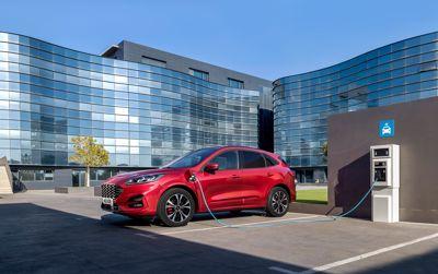 Käännekohta – Fordin uusien sähköistettyjen autojen myynti ylittää bensiini- ja dieselautojen myynnin vuoden 2022 loppuun mennessä
