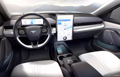 Mustang Mach-E vain paranee ajan kuluessa Fordin uuden langattoman päivitysjärjestelmän ansiosta – vaikka pysyisit kotona