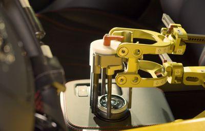 Ford rekrytoi robotit testaamaan autoja vaativissa olosuhteissa
