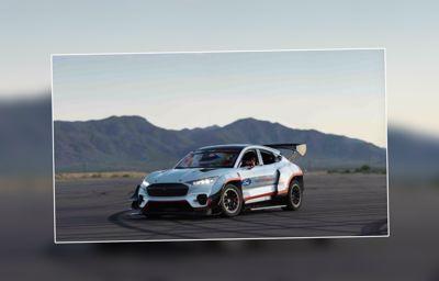 Le prototype tout-électrique Mustang Mach-E 1400 conçu par Ford Performance et RTR prend la course ... un nouvel art du drift !
