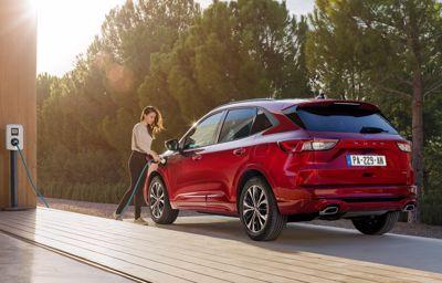 Nouveau Ford Kuga : le SUV intelligent, connecté et hybride à partir de 38 600 euros en version Plug-In Hybrid