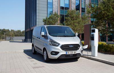 Électrification : les utilitaires Ford passent à l'hybride à partir de 26 840 € HT