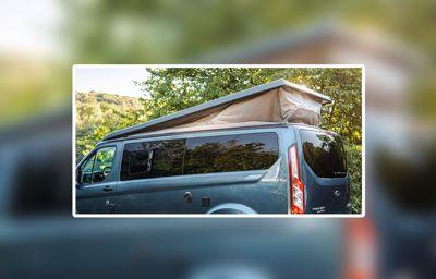 Un loft sur roues : le Transit Nugget Plus avec toit inclinable, nouvelle déclinaison pour la gamme de camping-cars Ford