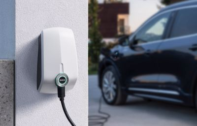 Voitures électriques : les ventes décollent mais il n'y a pas assez de bornes de recharge