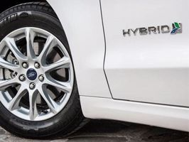 Ford Mondeo Hybrid récompensée aux Prix Auto Environnement MAAF 2015