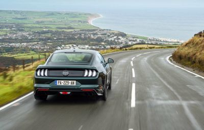 Fascinante et sans limite : découvrez l'île de Man au volant de la Mustang Bullitt
