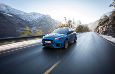 Le taxi qui conduisait ses clients en…Ford Focus RS