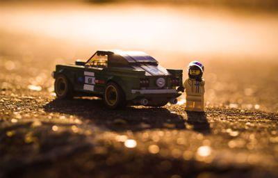 La M-Sport Ford Fiesta WRC, championne du monde des rallyes, est maintenant disponible en LEGO®