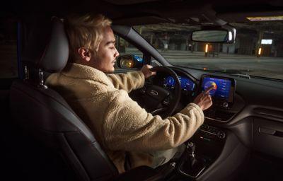 Nouvelle fonctionnalité Ford et B&O Beosonic™ : un son parfait au bout de vos doigts