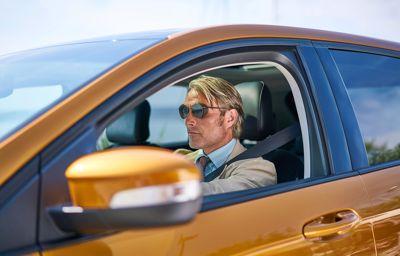 Ford Edge, Mikkelsen incarne Le Fantôme