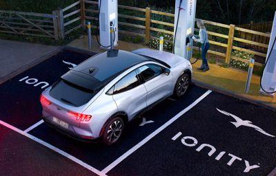 La Mustang Mach-E pourra parcourir 119 kilomètres en seulement 10 minutes de recharge