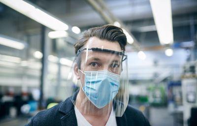 Ford fabrique masques et visières de protection pour permettre à ses employés de retourner au bureau en toute sécurité