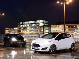 Ford lance les séries Black & White sur Fiesta et Ka