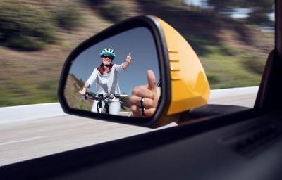 Grâce à la réalité virtuelle, cyclistes et automobilistes inversent les rôles pour mieux se comprendre