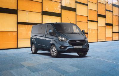 Nouveau Ford **Transit Custom** 280 L1H1 Trend Business EcoBlue Diesel à partir de 159€ HT/mois (1)