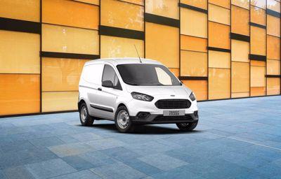 Ford **Transit Courier** Trend EcoBoost à partir de 99 € HT/mois(1)