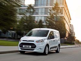 A Ford a kategória legkedvezőbb üzemanyag-fogyasztásával és a szegmensben elsőként bevezetett technológiákkal kínálja a Transit Connect kishaszonjárművet