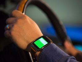 Az új Ford labor a testen viselhető eszközök és a járművek összehangolásán dolgozik