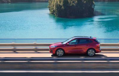 A Ford a jövőbe tekint Európában: az üzletmenet átalakítása a jobb jövedelmezőség érdekében, hatékonyság, több új EV és SUV